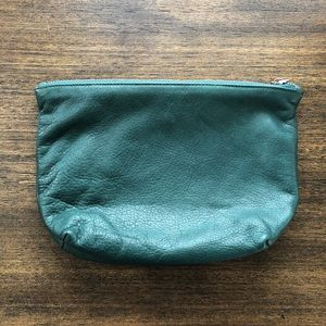 Baggu leather medium stash clutch in pine